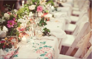 country flowers decorating wedding table
