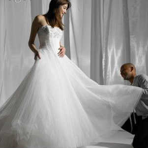 Tips for Picking a Wedding Dress Style