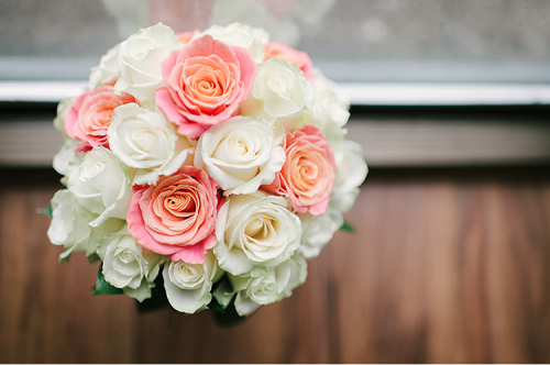 peach and white roses wedding bouquet