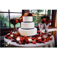 The Best Fall Wedding Cakes We've Seen